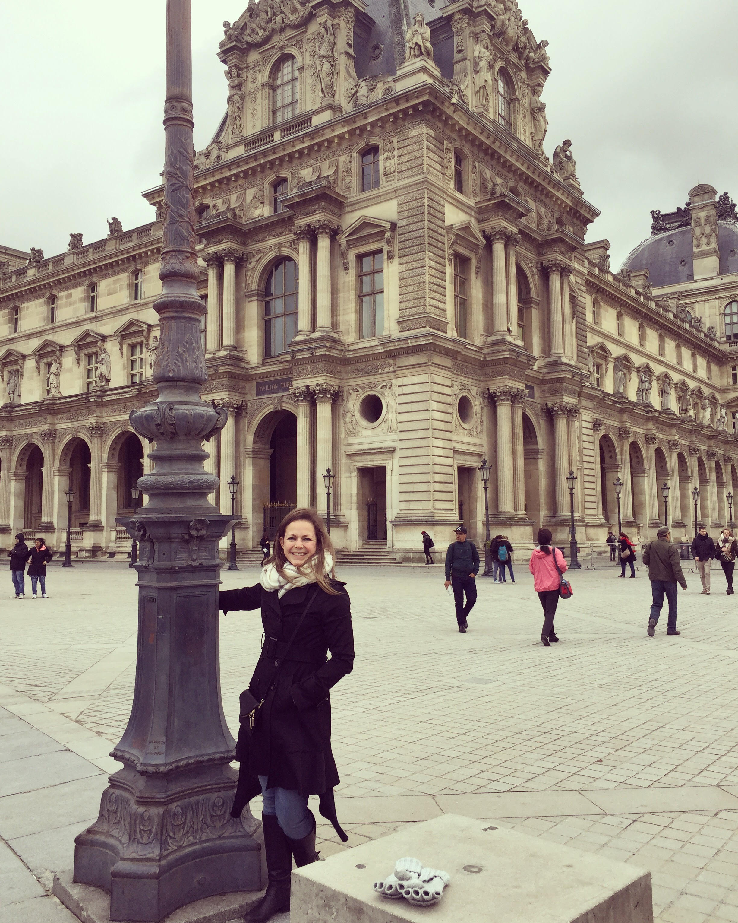 i have traveled to paris i saw the eiffel tower i walked the halls of the louvre i ate croissants in the middle of the day - Paris Must See